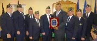 Dr Spencer receives Distinguished Community Service Award