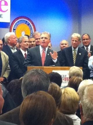 Democrat Steve Bellone thanks supporters election night. Credit Judy Mottl